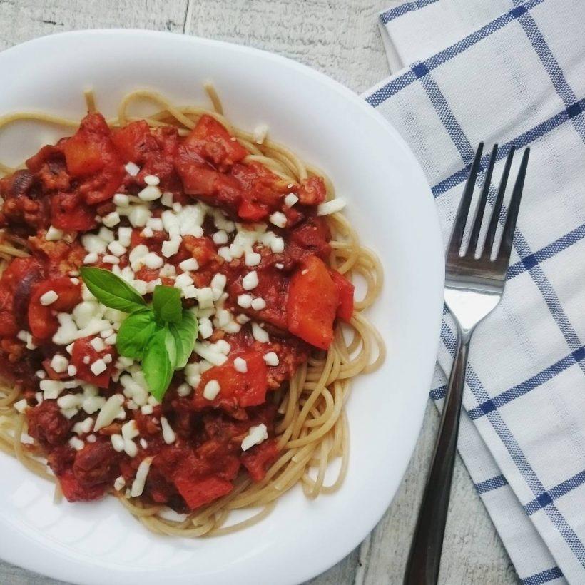 Przepis na zdrowy fit sos pomidorowy do makaronu