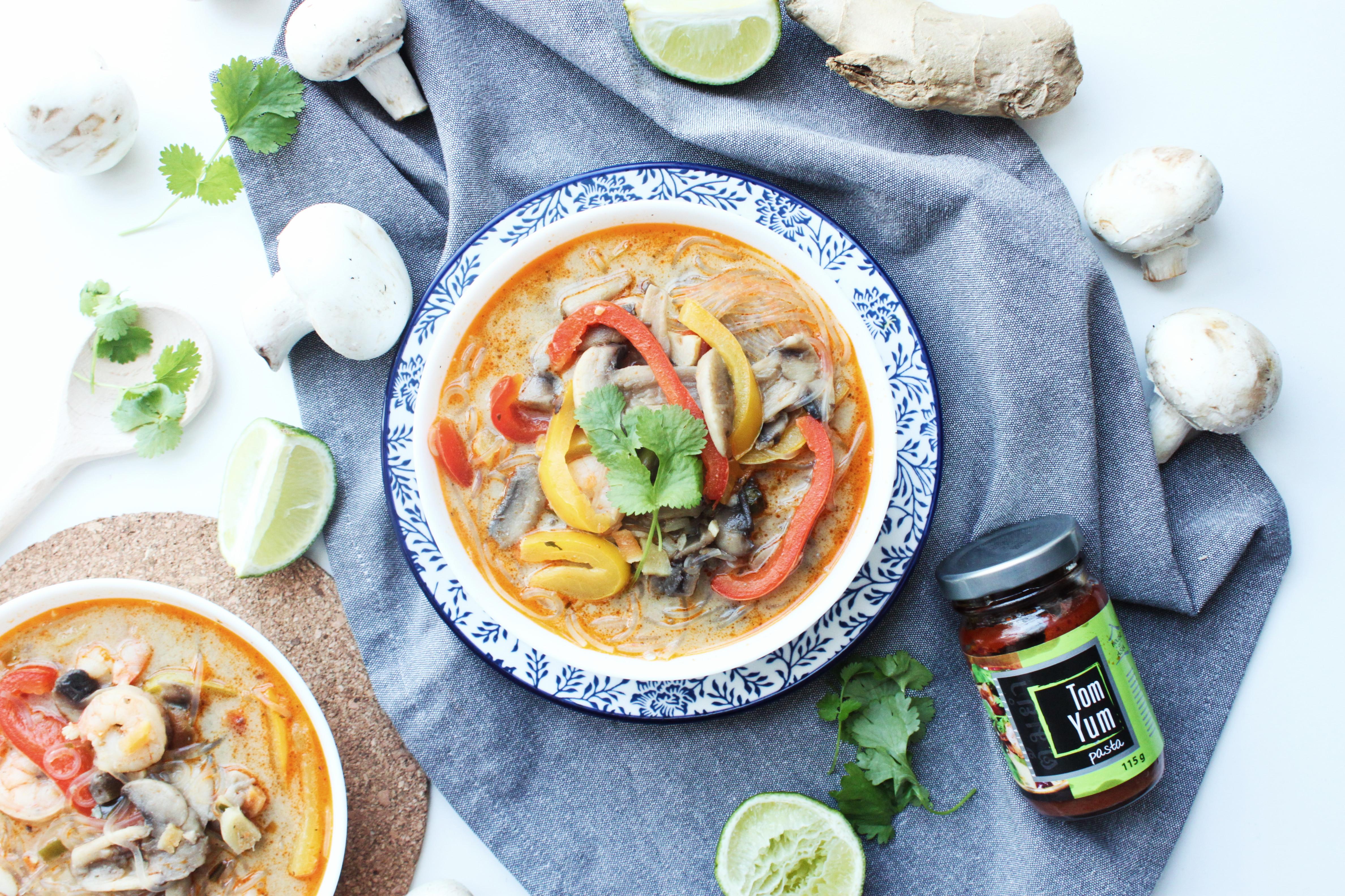 zupa tajska z krewetkami - przepis